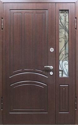 тамбурные металлические двери со стеклом и ковкой