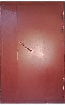 железная неутепленная дверь в подъезд